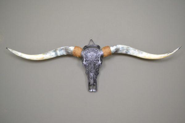 Longhorn schedel XL gegraveerd staal 01